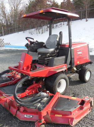 TORO 4100-D GROUNDMASTER (2012) Canopy Top with Cool Top Fan, Cruise Control (1013) hours.