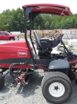 TORO 5410 REELMASTER Fairway Mower (2011) 8 Blade (DPA) Cutting Units 1895 Hours, Groomers, Power Rear Roller Brushers, Light Kit, (2WD) Canopy Top