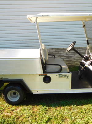 2013 CLUB CAR TURF 2, (gas) Power Dump Bed, Canopy Top with Fold down Windshield