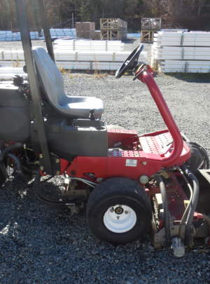 Toro 3150Q Geensmaster 2010 Tee Mower with 2073 Hours, 8 Blade (DPA) Cutting Units,(3WD) with ROP's