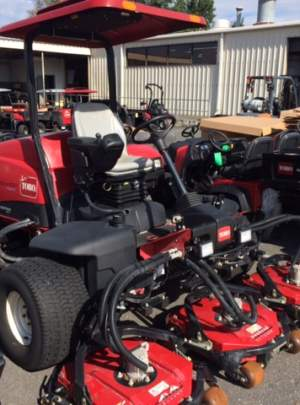 Toro 4300-D Groundsmaster 2011, Canopy Top with Cool Top Fan, 1038 Hours, CrossTrax (AWD).